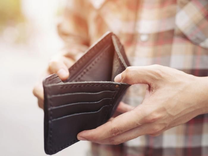 Study: Gay and Bi Men Earn Less, Lesbians Earn More, Than Straight Counterparts