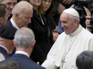Biden to Meet with Pope Francis to Discuss COVID-19, Climate